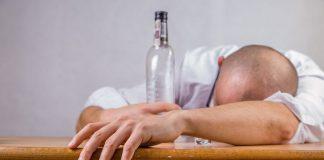 Γαλλία: Νόμιμη η χρήση της βακλοφαίνης για τη θεραπεία του αλκοολισμού