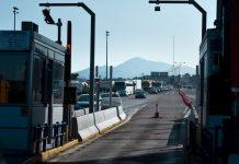 Θεσσαλονίκη: Οδηγός έπεσε πάνω στις μπάρες των διοδίων