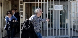 Σταματάει την απεργία πείνας ο Δ. Κουφοντίνας