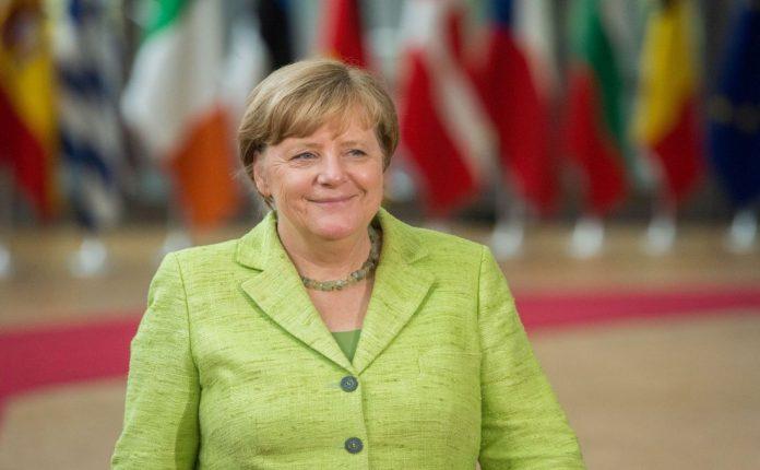 «Πρότυπη» για τη Μέρκελ η συμφωνία ΕΕ-Τουρκίας για το μεταναστευτικό