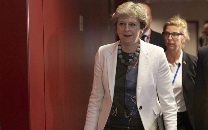Brexit: Για «συνωμοσίες» βουλευτών ανησυχεί η Μέι