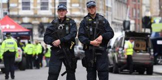 Αναστάτωση στο Λονδίνο από ύποπτο αντικείμενο στην Ντάουνινγκ Στριτ