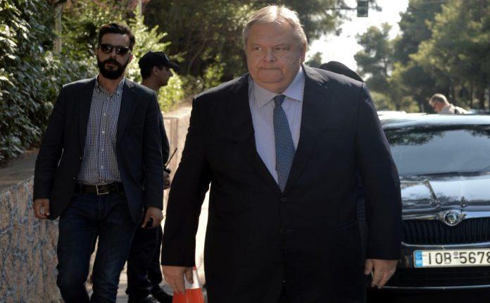Αφήνει περιθώριο για υποψηφιότητα Βενιζέλου ο Κ. Μητσοτάκης;