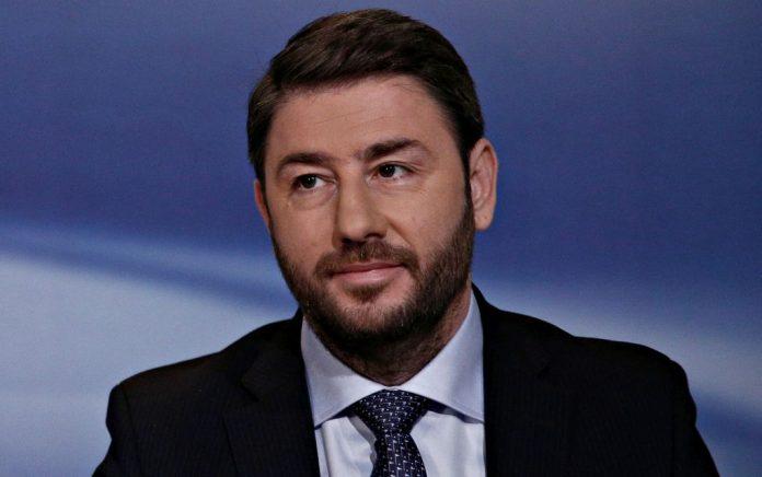 Ο Ανδρουλάκης ζητά την παραίτηση Ταγιάνι για τον Μουσολίνι