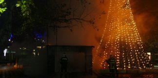 Μαίνεται η φωτιά στα Χανιά