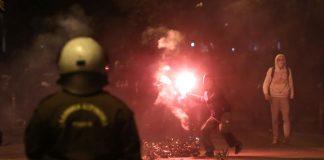 Επίθεση με μολότοφ στο Αστυνομικό Τμήμα Ομόνοιας
