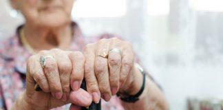 Παρίσταναν τους ηλεκτρολόγους για να κλέψουν ηλικιωμένους