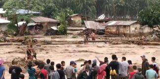 """Ταϊλάνδη: Εγκαταλείπουν τα νησιά οι τουρίστες εξαιτίας της καταιγίδας """"Παμπούκ"""""""