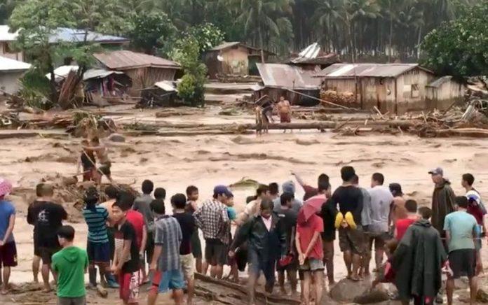Ταϊλάνδη: Εγκαταλείπουν τα νησιά οι τουρίστες εξαιτίας της καταιγίδας