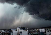 Με βροχές και καταιγίδες ξημερώνει η Πέμπτη