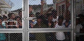 «Χάος» στη Μόρια με πάνω από 15.000 πρόσφυγες