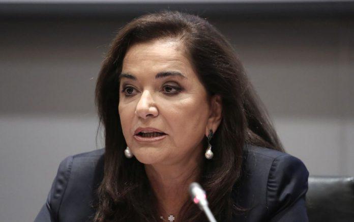 Μπακογιάννη κατά Τσίπρα: «Η ανάπτυξη δεν διατάσσεται»