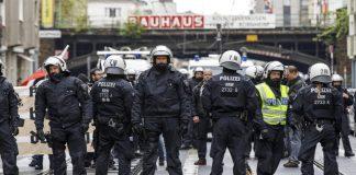Εκκενώνονται δημαρχεία σε έξι πόλεις της Γερμανίας