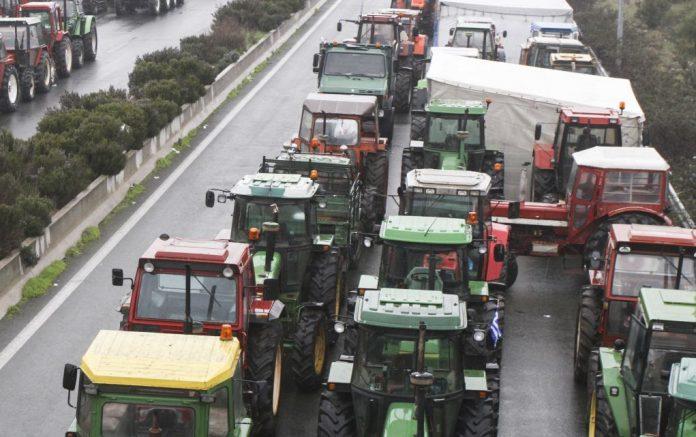 Ζεσταίνουν τα τρακτέρ οι αγρότες για κινητοποιήσεις