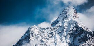 Γάλλος ορειβάτης θα οδηγηθεί σε δίκη επειδή βοήθησε έγκυο μετανάστρια