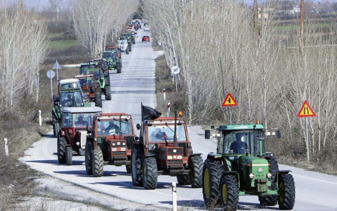 «Ζεσταίνουν» τα τρακτέρ οι αγρότες - Πότε θα βγουν στους δρόμους
