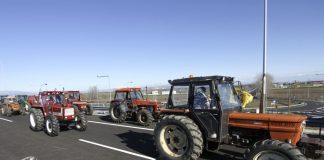 «Ζεσταίνουν» τις μηχανές οι αγρότες - Πότε ξεκινούν τις συγκεντρώσεις