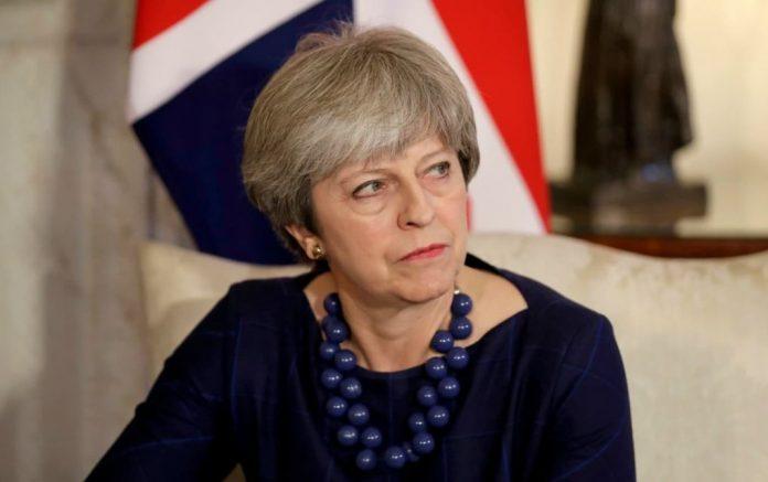 Βρετανός βουλευτής σε Μέι για το Brexit «Άθλια υποταγή»