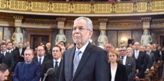 Ο Αυστριακός πρόεδρος απορρίπτει τα κυβερνητικά σχέδια για αυστηροποίηση του ασύλου