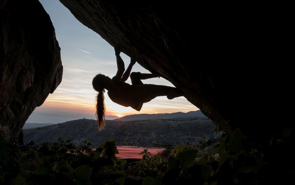 Αθλητική αναρρίχηση σε γρανιτένια βράχια, στο όρος Λαϊλιάς του νομού Σερρών