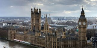 Bloomberg: 15 υπουργοί θα ψηφίσουν κατά του Brexit για τις 29 Μαρτίου