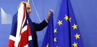 The Times: Πιθανό και δεύτερο δημοψήφισμα για το Brexit