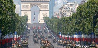 Υποχρεωτική στρατιωτική θητεία για άντρες και γυναίκες στη Γαλλία