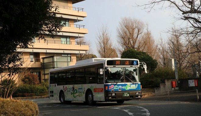 Συνέλαβαν τρεις 15χρονους για την επίθεση σε λεωφορείο