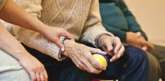 Πράετ: «Μεγαλύτερες υφέσεις στην Ευρώπη λόγω γήρανσης πληθυσμού»