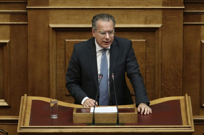 Κουμουτσάκος: «Αποδέχθηκε το ΥΠΕΞ διάλογο άνευ όρων με την Τουρκία;»