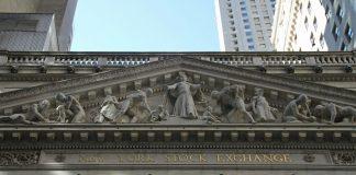 Πτώση 11% στη Wall Street λόγω κορονοϊού