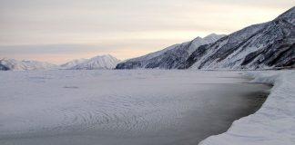 Λιώνουν οι πάγοι και ανεβαίνει η στάθμη της θάλασσας