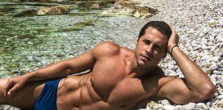 Survivor 2: Ο Παπαργυρόπουλος κάνει προσευχή και το twitter οργιάζει! (vd)