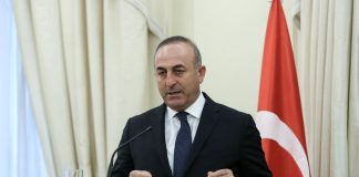 Τσαβούσογλου: «Η Τουρκία προστατεύει τα δικαιώματά της στο Αιγαίο»