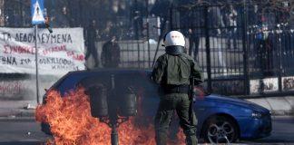 Επεισόδια μετά τη λήξη της πορείας των αντιεξουσιαστών στη Θεσσαλονίκη (pics)