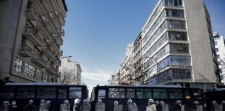 «Αστακός» το κέντρο της Αθήνας, φόβοι κυβέρνησης για αποδοκιμασίες