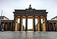 DW: Η Γερμανία κερδίζει από την ελληνική κρίση