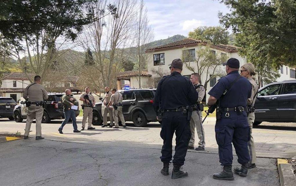 ΗΠΑ: Ένοπλος κρατάει τουλάχιστον 3 ομήρους σε κέντρο βετεράνων (vd)