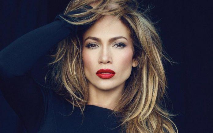 Πήγε γυμναστήριο η Jennifer Lopez και έριξε το instagram! (pic)