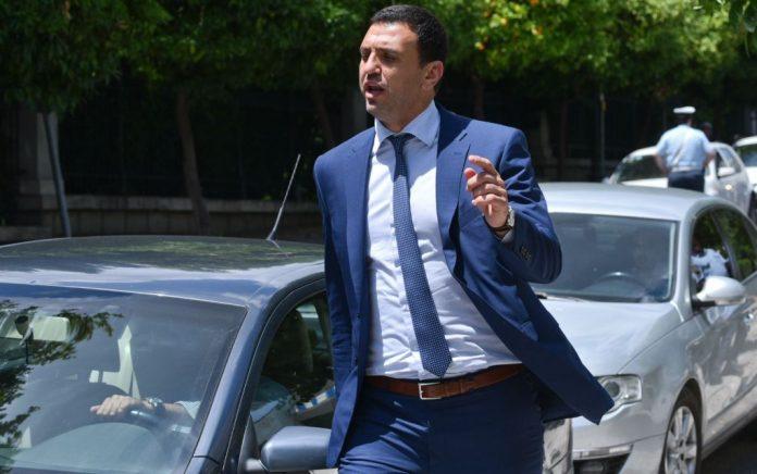 Κικίλιας: Ο Τσίπρας δεν μπορεί να ταξιδέψει στη Μακεδονία, αλλά μπορεί εύκολα να πάει στα Σκόπια