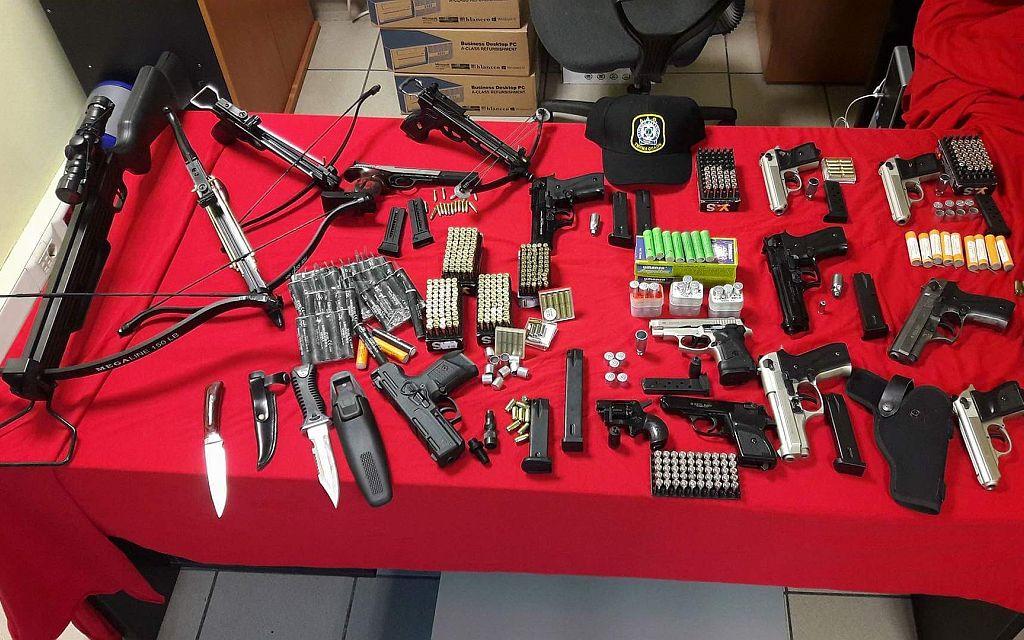 Θεσσαλονίκη: Σύλληψη 10 ατόμων για κατοχή όπλων