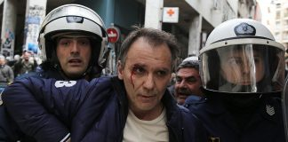 Πλειστηριασμοί: Ξύλο, τραυματίες και συλλήψεις (vd, pics)