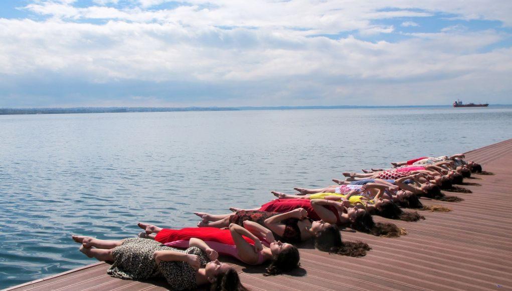 Γέμισε χρώματα η παραλία της Θεσσαλονίκης