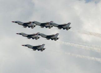 Μαχητικά αεροσκάφη των ΗΠΑ και της Ελλάδας πέταξαν πάνω από τα Σκόπια