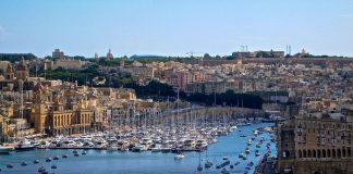 Η Μάλτα θα απελάσει στην Ιταλία τους μετανάστες που έδιωξε από βουστάσιο
