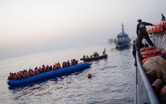 Διάσωση 38 μεταναστών ανοιχτά της Σάμου