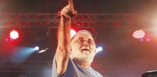 Θάνος Μικρούτσικος: «Ο καρκίνος είναι μια δύσκολη αρρώστια» (vd)