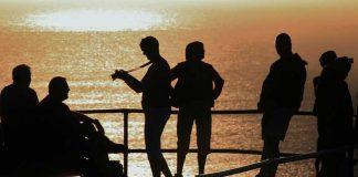 Η οικονομία της Ελλάδας «θολή», τα ταξίδια όμως, ταξίδια!
