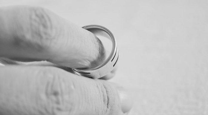 Φτώχεια και διαζύγιο αυξάνουν τις πιθανότητες για δεύτερο έμφραγμα