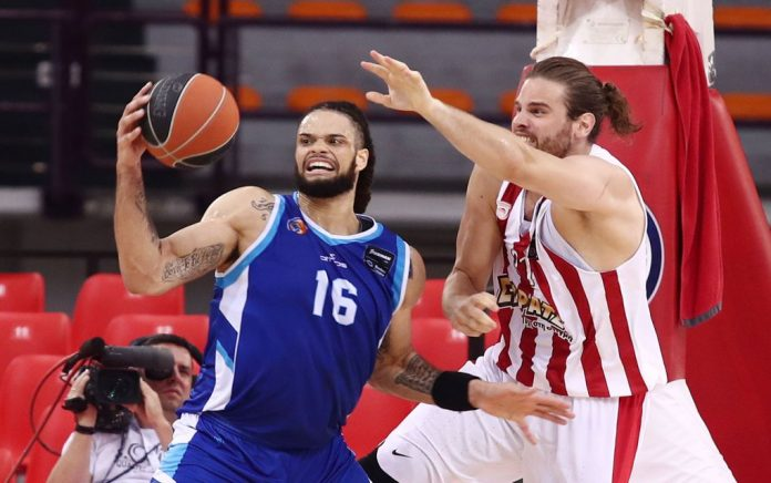 Δύσκολη νίκη για τον Ολυμπιακό με 78-75 την Κύμη